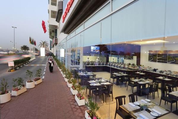 Ramada Beach Hotel Ajman 4* ОАЭ, Эмират. Отзывы, фото отеля, цены