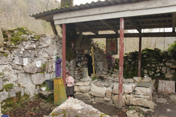 Достопримечательностеи Абхазии: Рица, Новый Афон, Пицунда, Гудаута, Гагры, Сухуми, Новоафонская пещера. Фото