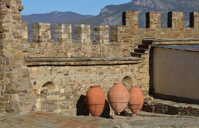 Генуэзская крепость в Судаке. История, фото, часы работы, интересные факты, экскурсии, как добраться