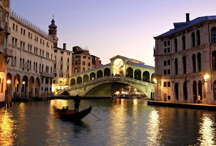 Города на воде в Италии, Азербайджане, Голландии, России, Испании, Китае. Венеция, Чжуцзяцзяо и другие