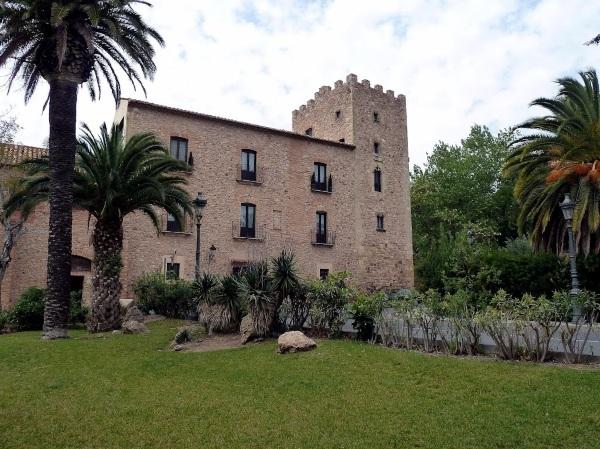 Камбрильс, Испания. Достопримечательности, фото, описание, карта, что посмотреть, отдых