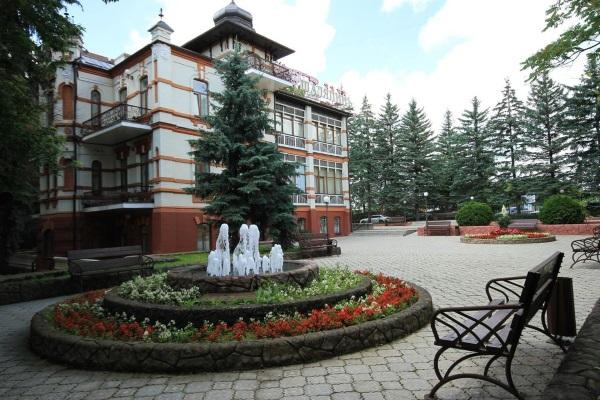 Пансионаты Кисловодска. Санатории с питанием, лечением, бассейном. Цены и отзывы