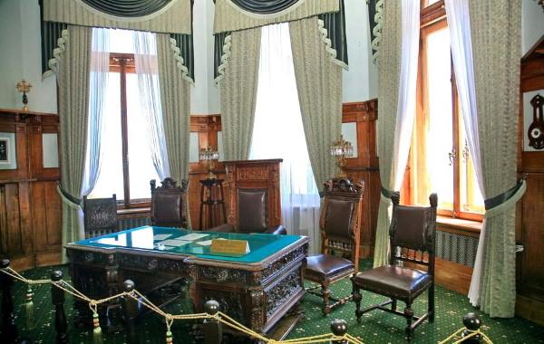Ливадийский дворец в Крыму. Фото, история, адрес, где находится, экскурсии