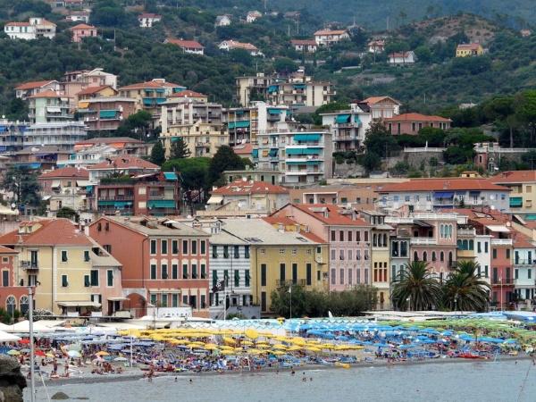 Савона, Италия. Достопримечательности, фото и описание города, пляжи, что посмотреть