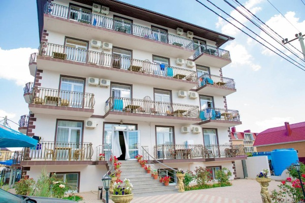 Лучшие отели в Витязево с бассейном, собственным пляжем, ближе к морю. Цены и отзывы