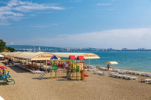 Отели Геленджика. Рейтинг лучших «Всё включено» с бассейном, на берегу моря. Цены, отзывы
