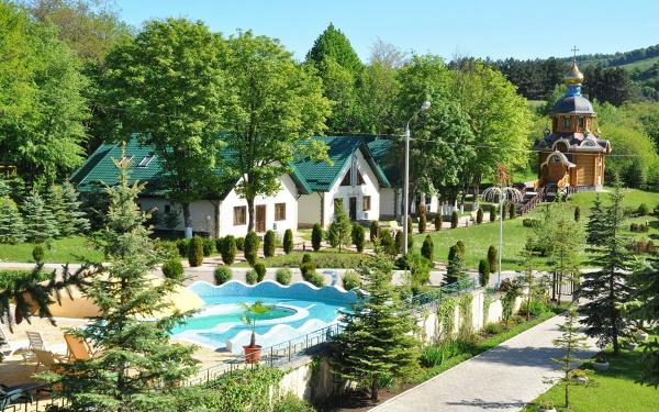 Отели Кисловодска рядом с парком, с бассейном, Всё включено. Цены, отзывы