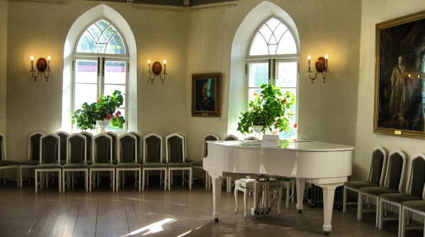 Приоратский дворец Гатчина. Фото, история, экскурсии, факты