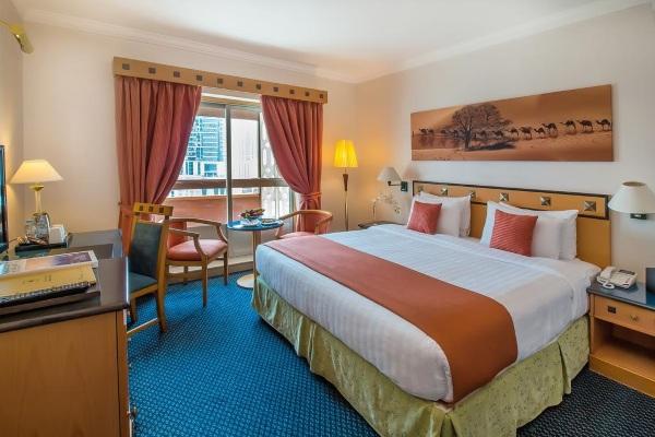 Hotel Holiday International Sharjah 4* (Холидей Интернациональ) ОАЭ/Шарджа. Отзывы, фото, цены