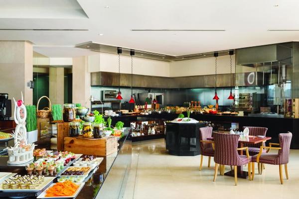 Ramada by Wyndham Jumeirah Hotel 5* (Рамада Джумейра отель) ОАЭ/Дубай. Фото, цены