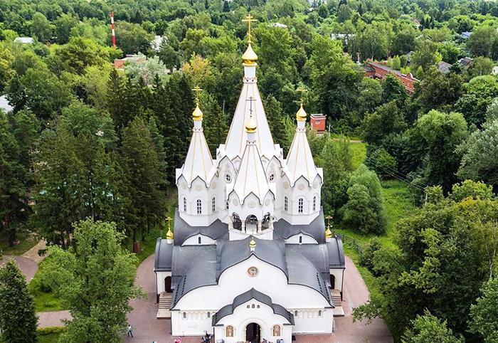 Храм новомучеников и исповедников российских в Бутово. Расписание служб, фото, адрес