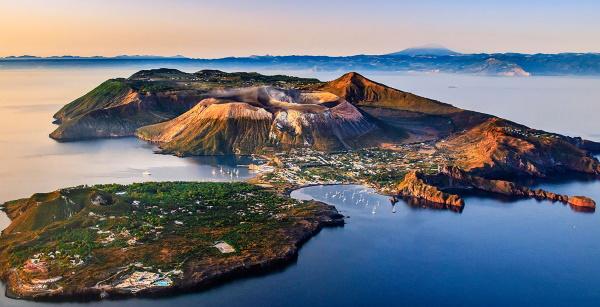 Острова Италии для отдыха на море. Список с названиями на карте