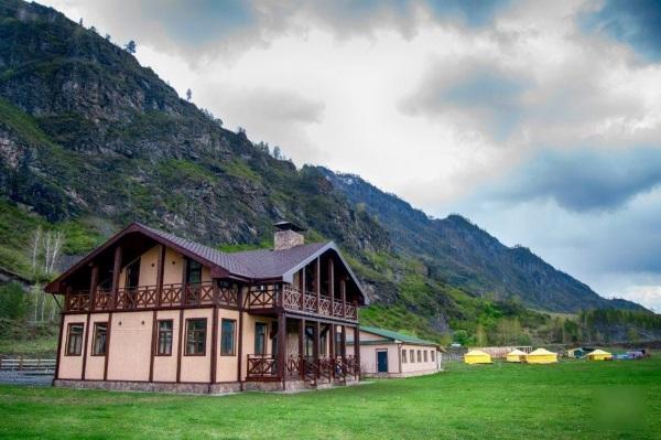 Базы отдыха в горном Алтае с бассейном, на берегу Катуни. Цены 2020, отзывы