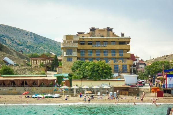 Отели Судака на берегу моря с собственным пляжем, бассейном, питанием Все включено, первая линия. Цены, отзывы