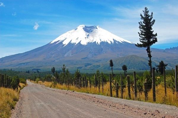 Вулкан Котопахи. Где находится, географические координаты, высота, действующий или потухший
