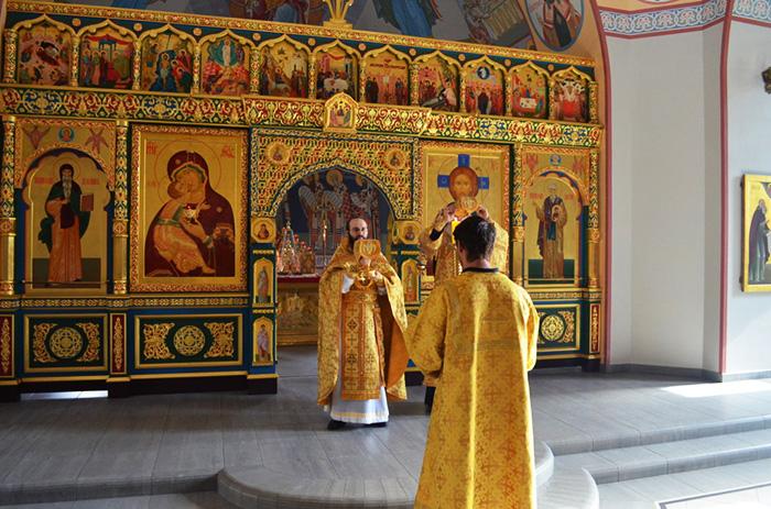 Свято-Никольский монастырь, Саратов. Расписание служб